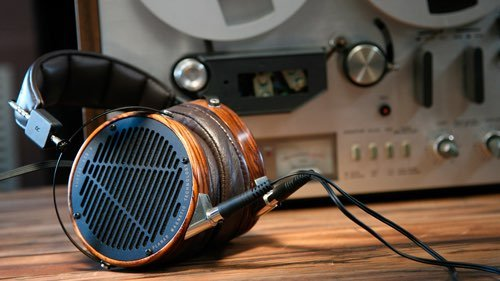 https://brooksberdanltd.com/wp-content/uploads/2018/03/brooks_berdan_audio_brands_audeze.jpg